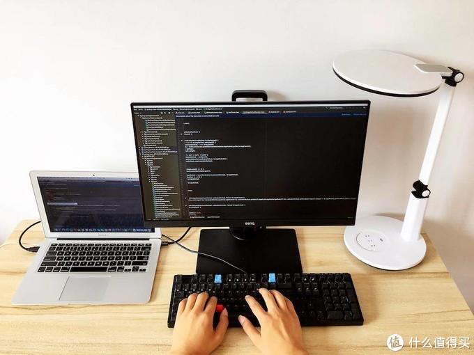 程序员护眼显示器推荐:不闪屏+滤蓝光是基本,有智慧调光才是真的牛!