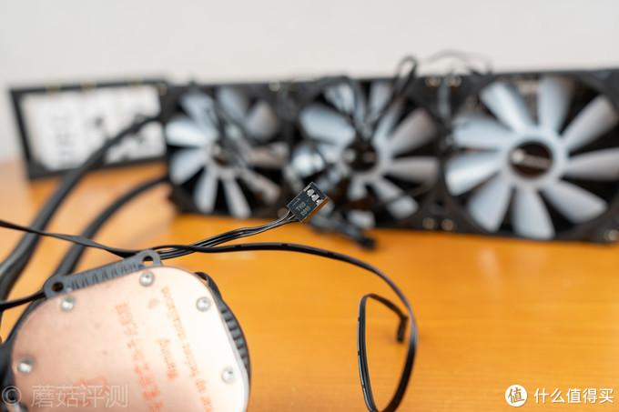 听说3700X很暴躁?这款360水冷可以轻松镇压——乔思伯SHADOW光影360幻彩一体式水冷