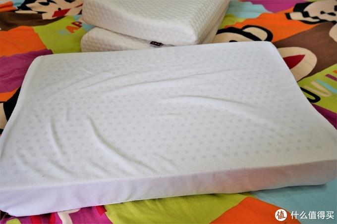 6种类型羽绒枕大乱斗,看完此文你就知道该选什么枕头了