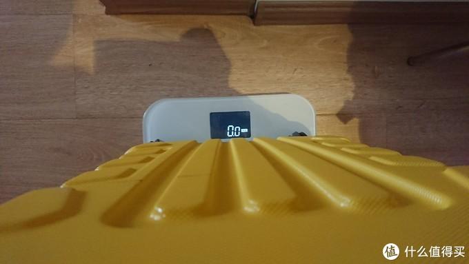 OSDY只有2.8公斤重,云麦体重秤已经无法识别到是否放了东西