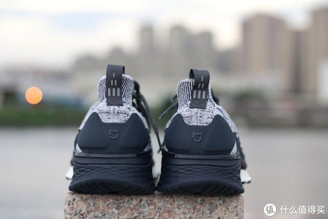 融入黑科技的米家运动鞋3,小米越来越会玩了