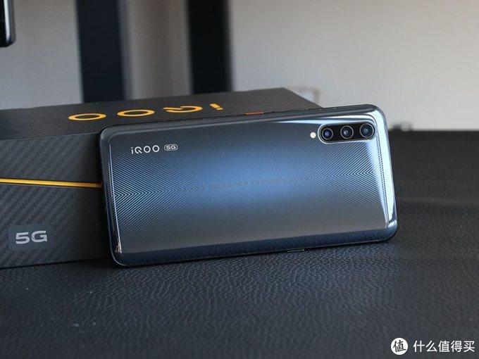 3798元5G性价比无可匹敌 iQOO Pro 5G评测