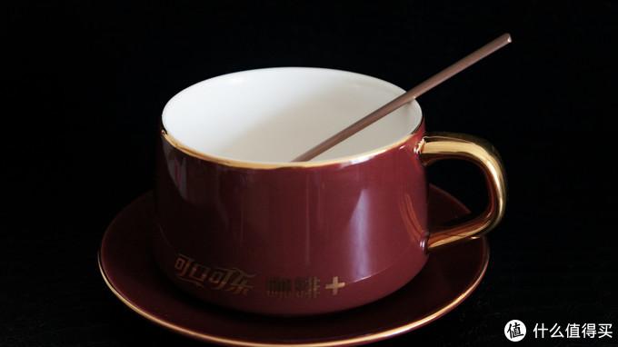 夏天快要过完的时候,我喝上了咖啡味的肥宅快乐水