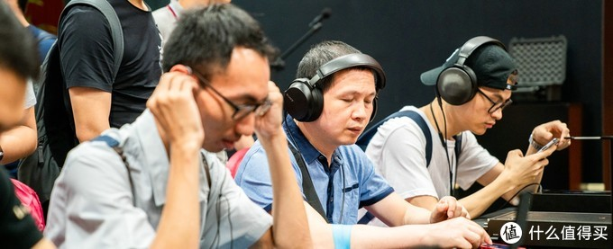 抓住夏天的尾巴来逛这届BAE北京国际音乐音响展吧~百万音响、旗舰耳机播放器、复古老唱片这里全都有!