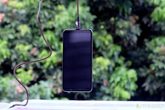 免插拔 秒吸附 体验分享卡斐乐磁吸数据线