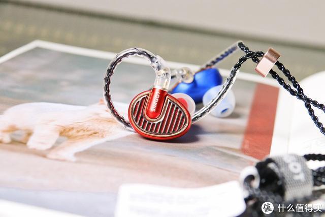 红蓝CP与单生狗之间的论述:兴戈铜雀EN700 Pro上手实测