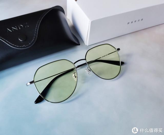 手机重度用户福音!ANDZ金属框防蓝光眼镜来了,专为护眼而生