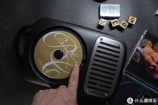 这个数字音源横行的时代,还会有人买CD机吗?除非长得好看吧