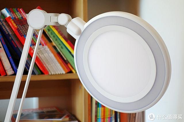 国AA级孩视宝护眼台灯,帮助孩子减轻用眼疲劳,不做小四眼