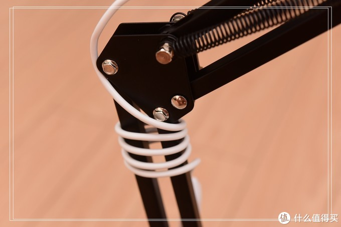 灯光范围小?DIY长条台灯满足照明长度!