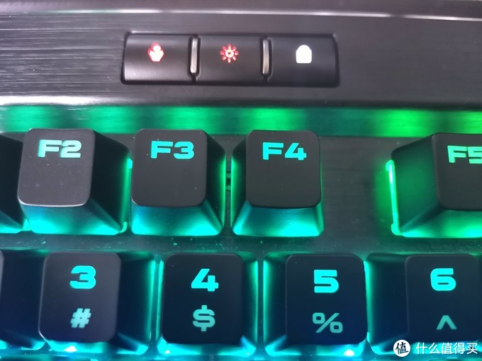 光污染机械键盘的终极方案?可能还不是 美商海盗船K70 RGB青轴机械键盘体验
