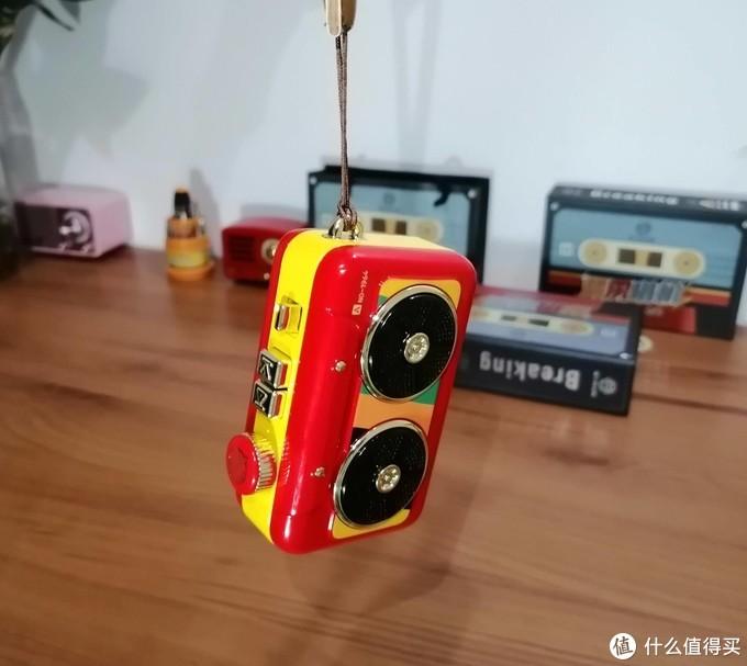 猫王发布复古收唱机,这是科技与复古的结合,情怀唤醒80年代记忆