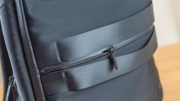 小米双肩包外观设计(拉链|充电器|肩带|提手)
