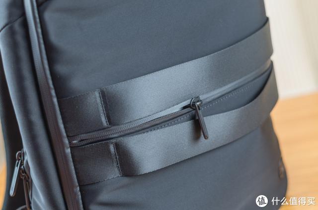 小米旗下爆品双肩包,商务出行的不二选择,快来看看它的实际评价