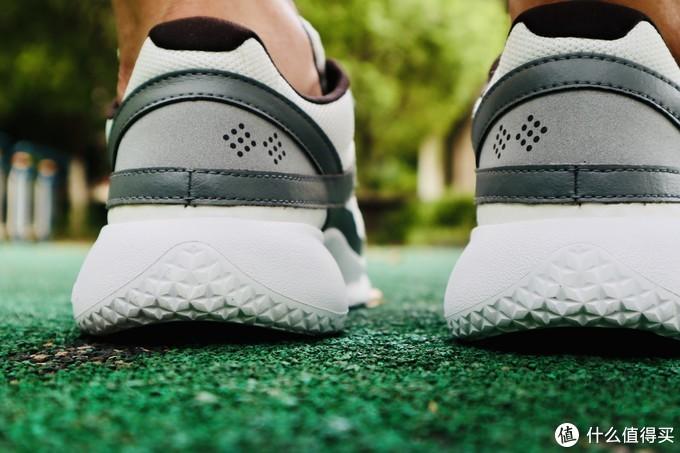 Pensole全掌碳板跑鞋,这是一双大家都能买得起的碳板跑鞋