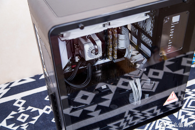 AMD YES!一台白色高性能主机搭建分享