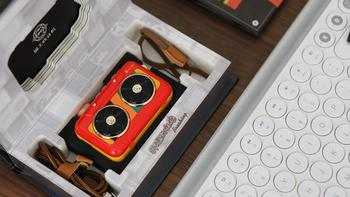 猫王霹雳唱机外观展示(数据线|挂绳|接口)