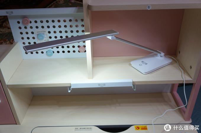 材质做工性价比:黑白调学习时光 缤果2.0 人体工学儿童桌椅套装体验