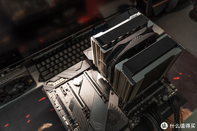 7nm锐龙八核顶配RYZEN 7 3800X干翻同频CORE I9 9900K!