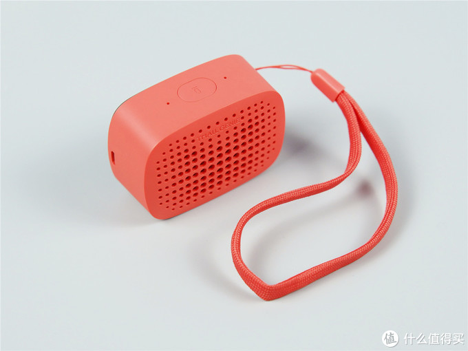 小巧便携的天猫精灵BOOM智能蓝牙音箱离开WiFi也能用!