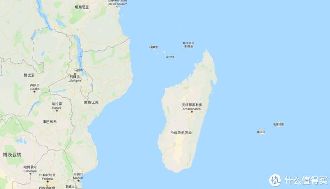 由于地理位置,这里也是中转法属留尼汪,马达加斯加,南非,肯尼亚等多国的中转站。