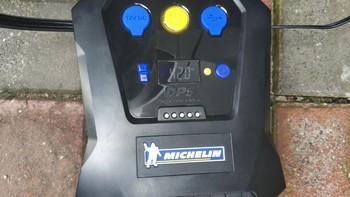 米其林车载智能充气泵使用体验(连接|充气|便携性)