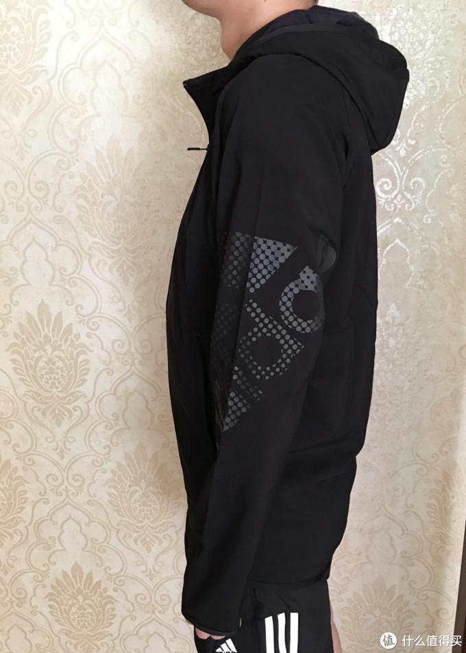 1.6折的阿迪新品  男子带帽夹克EA2807新鲜晒单