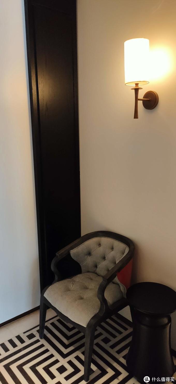 玄关——换鞋凳