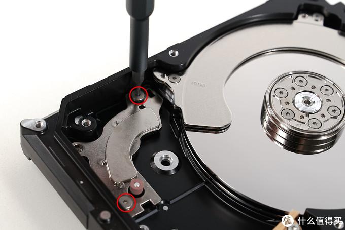机械硬盘完全拆解:一项古董技术何以服务人类46年