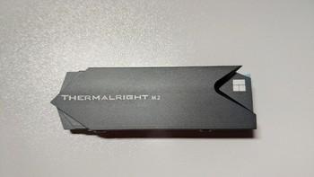 利民M.2散热器包装细节(主板 显卡槽 热气孔 底座)