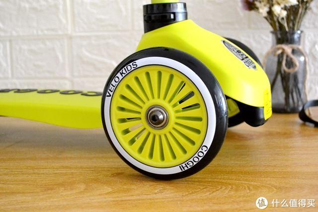 滑板车界的变形金刚,还是明星宝宝的最爱?这款滑板车很有趣