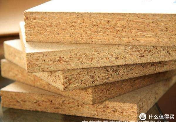 上图:实木颗粒板素板