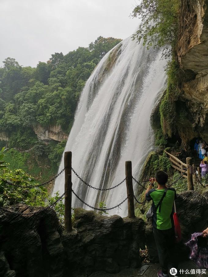 侧看瀑布2