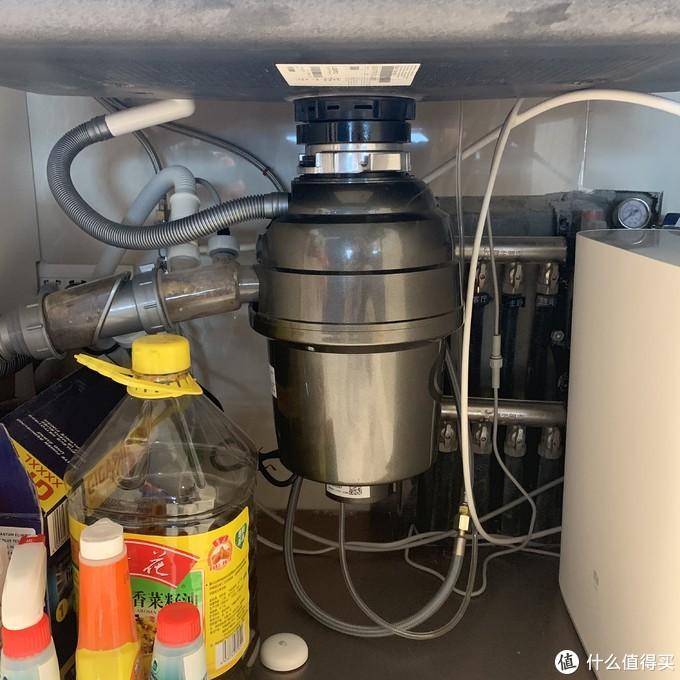配合潜水艇厨余机专用下水管使用