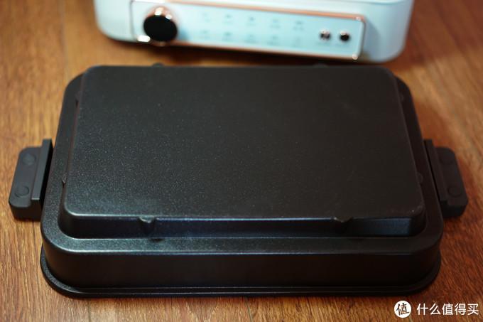 ▲配套的配件下部都有固定卡扣,使用的时候用铲子翻动时不会晃动