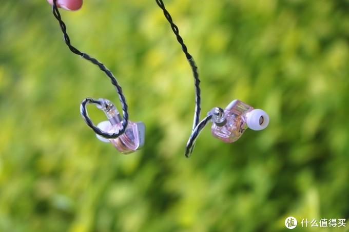 要颜值还要兼顾性能,原来耳机也可以搞透明探索版