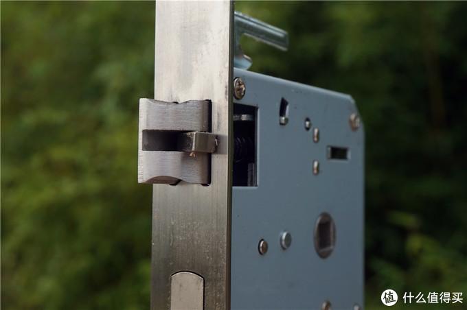 指紋鎖怎么選?安全、便捷是首位!方正智能門鎖評測