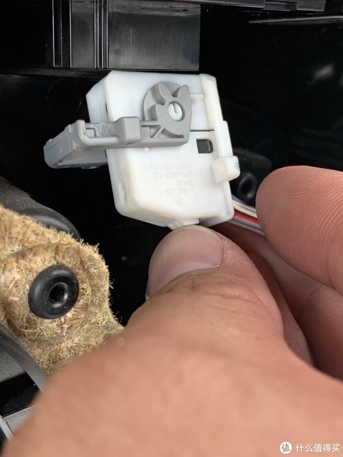自己动手丰衣足食:更换车辆门碗易损件的故事