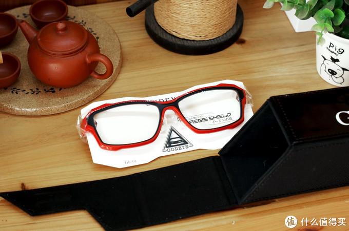 GODBYE电竞眼镜测评:既要护眼又不影响游戏,电竞也要视力!