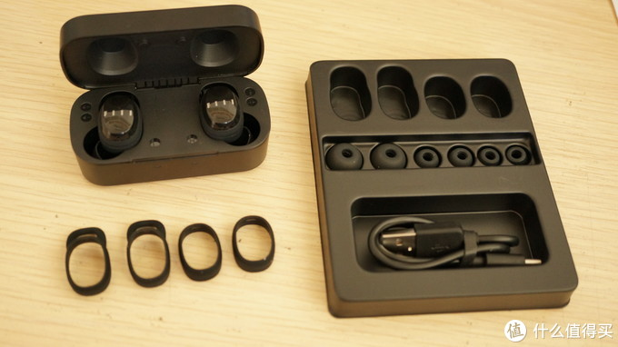 99 🆚 299 🆚  999,FIIL T1X 真无线运动耳机对比评测。