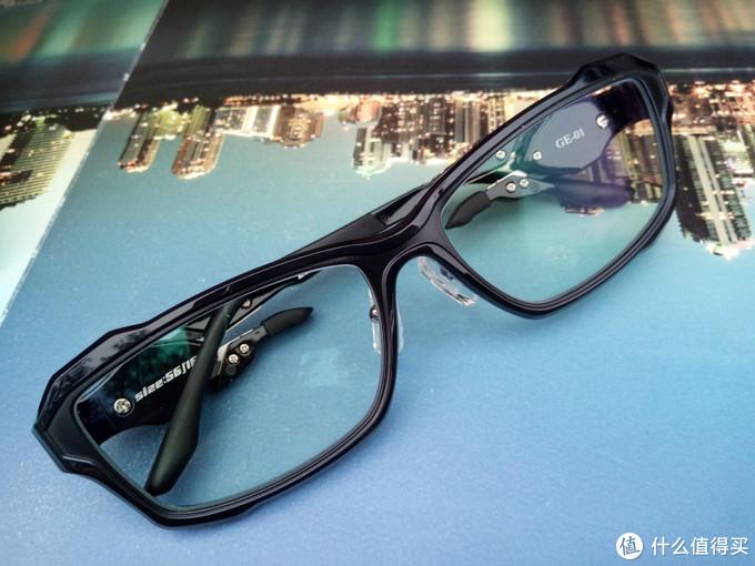 摆脱屏幕的有害光线,GODEYE防蓝光电竞游戏眼镜体验