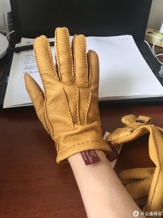纪念人生第一双Dents手套