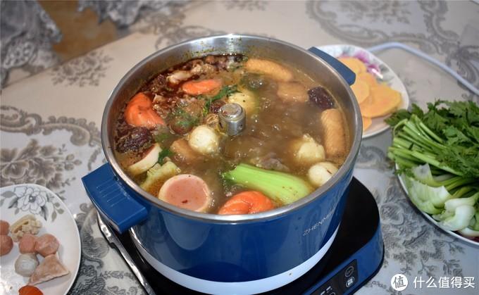 解锁美味新姿势,网红臻米升降火锅,带给你全新火锅新吃法