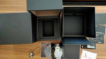雷达R15329153男士手表外观展示(表盘|表冠|机芯|表圈)