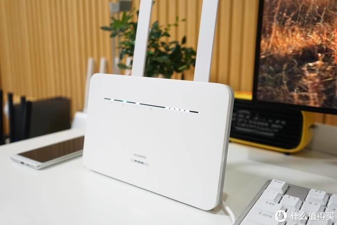华为移动路由4G路由2 Pro,车载和家用不用网线轻松解决上网问题!