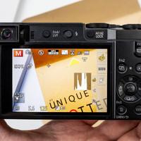 松下 Lumix DMC-ZS110相机外观展示(屏幕|按键|转盘|镜头|闪光灯)