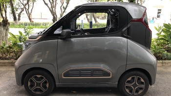 宝骏E200新能源车外观细节(轴距|把手|车厢|中控台|后排)