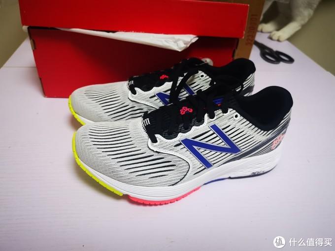 16美金捡漏一双次顶级轻量跑鞋——New Balance 890V6跑鞋开箱