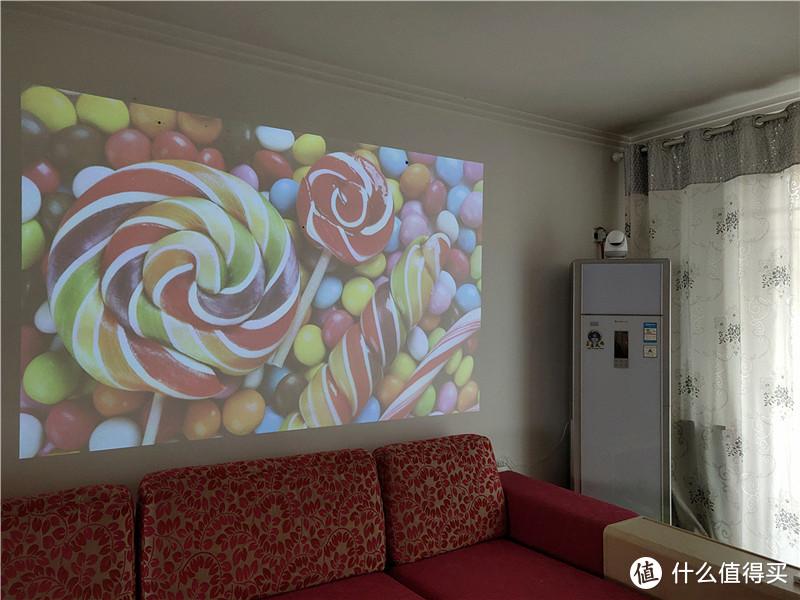 专为年轻人打造的巨幕家庭影院,当贝智能投影D1体验!