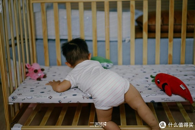 睡渣宝宝逆袭记,老母亲备齐睡眠装备随时应战